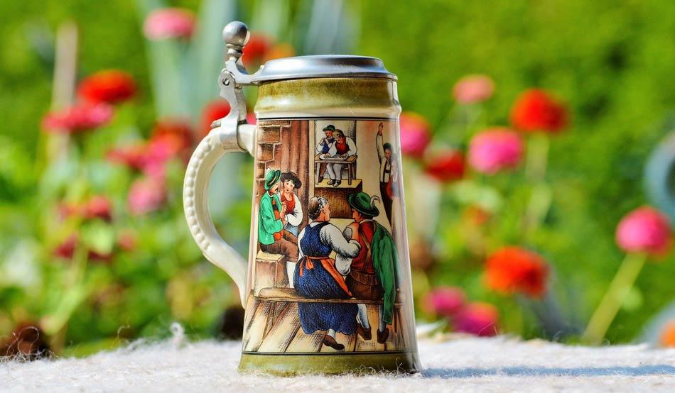 jarra de cerveza alemana antigua